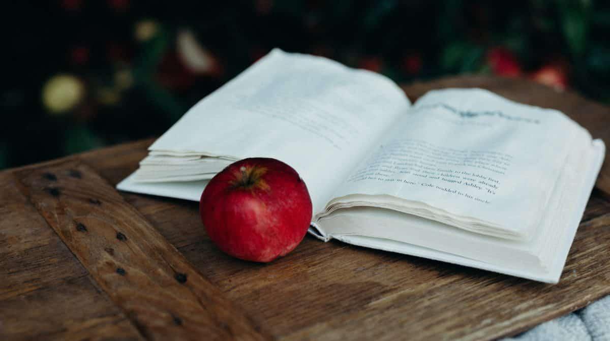 appel naast boek